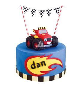 Торт Машинка на гонках